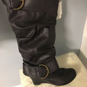 Tall brown leather boots! Size 9.5.